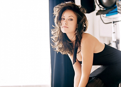 brunettes, women, models, Olivia Wilde, earrings, black dress, gray eyes - related desktop wallpaper