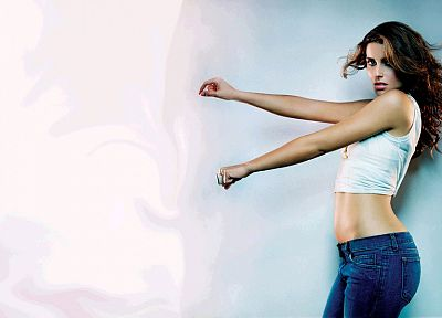 brunettes, women, jeans, Nelly Furtado, singers - desktop wallpaper