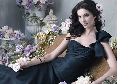 brunettes, women, dress, flowers, models, Teresa Moore, roses - desktop wallpaper