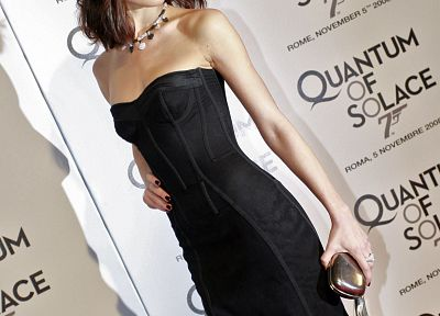 Quantum of Solace, Olga Kurylenko, black dress - random desktop wallpaper