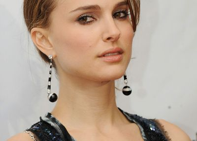 women, Natalie Portman, earrings - random desktop wallpaper