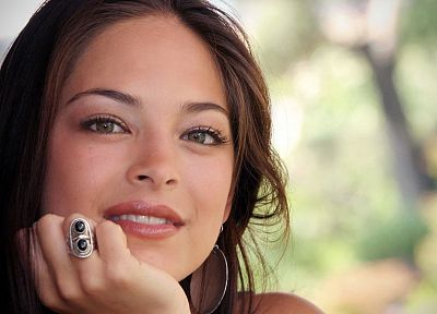 brunettes, women, close-up, celebrity, Kristin Kreuk, faces, portraits - random desktop wallpaper