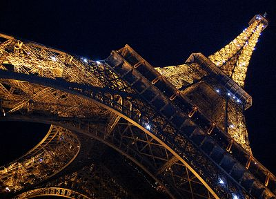 Eiffel Tower, Paris, France - random desktop wallpaper
