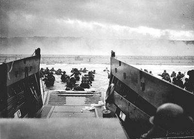 soldiers, American, Normandy, France, grayscale, World War II, D-Day, historic, disembarking, 1944, sea - random desktop wallpaper