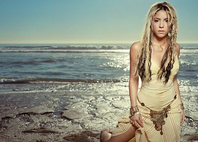 women, celebrity, Shakira, singers - random desktop wallpaper