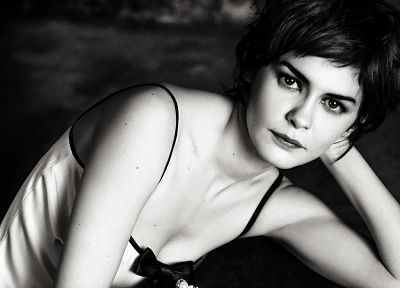 Audrey Tautou, grayscale, monochrome - related desktop wallpaper
