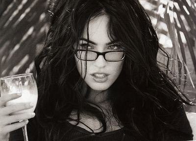 brunettes, women, Megan Fox, actress, glasses, celebrity, grayscale, monochrome, girls with glasses - random desktop wallpaper