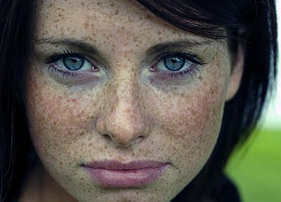 women, close-up, blue eyes, lips, freckles, faces - related desktop wallpaper