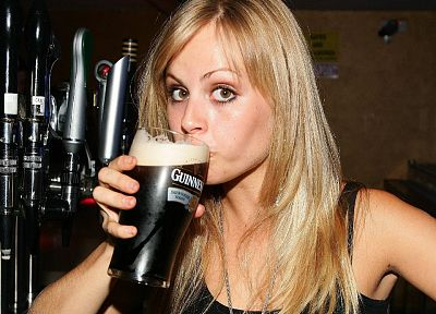 beers, women, Guinness - random desktop wallpaper