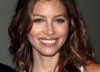 Jessica Biel - random desktop wallpaper