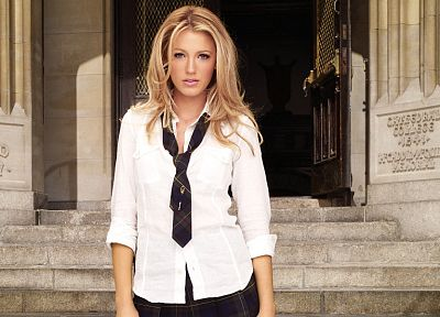 Blake Lively, Serena van der Woodsen, Gossip Girl - random desktop wallpaper