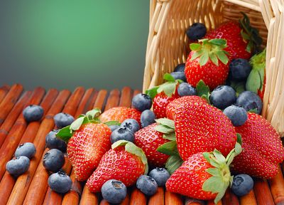 strawberries, baskets, blueberries - random desktop wallpaper