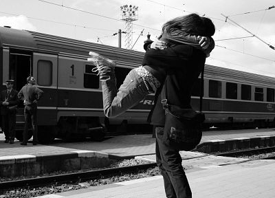 women, trains, train stations, grayscale, monochrome, vehicles, lovers, boys, hugging - desktop wallpaper
