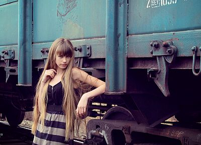 blondes, women, dress, models, trains, long hair - desktop wallpaper