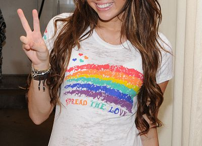 brunettes, women, Miley Cyrus, actress, celebrity, smiling, singers, V sign - related desktop wallpaper
