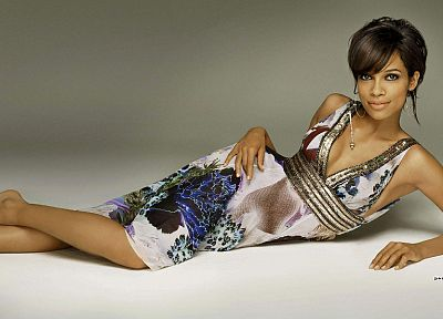 brunettes, women, dress, actress, Rosario Dawson, lying down - random desktop wallpaper