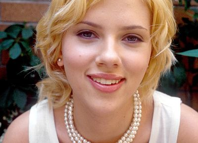 Scarlett Johansson, actress - random desktop wallpaper