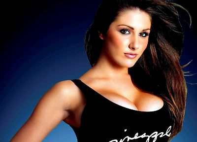 brunettes, women, Lucy Pinder, long hair, brown eyes, blue background, black shirt - random desktop wallpaper