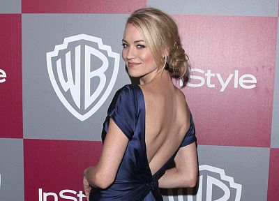 blondes, women, Yvonne Strahovski - desktop wallpaper
