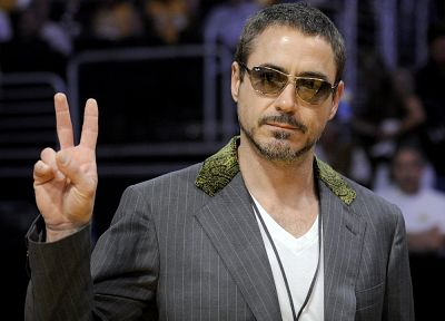 men, Robert Downey Jr, actors, V sign - related desktop wallpaper