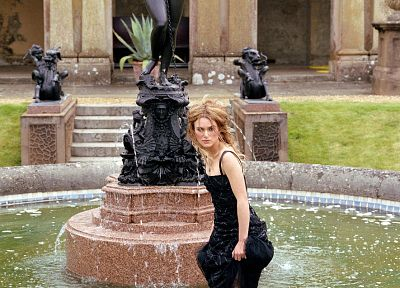 Keira Knightley, fountains, black dress - desktop wallpaper