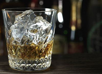 ice, glass, alcohol, whiskey, liquor - random desktop wallpaper