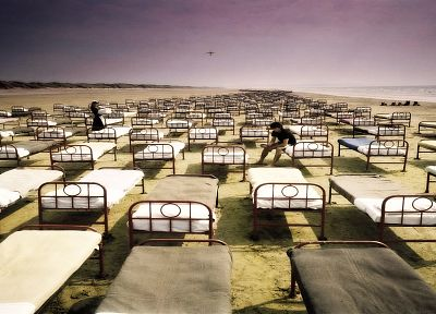 Pink Floyd, beds, shore, surreal, sea, beaches - random desktop wallpaper