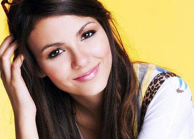 women, actress, Victoria Justice, brown eyes, smiling, singers, faces, yellow background - random desktop wallpaper