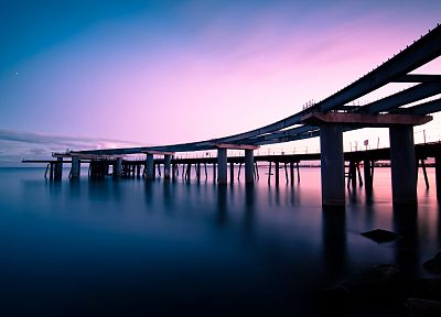 bridges, buildings, sea - desktop wallpaper