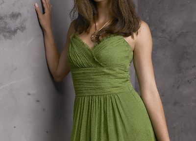 Kristin Kreuk, green dress - random desktop wallpaper