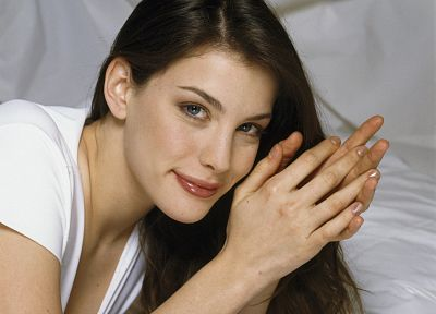 brunettes, women, close-up, blue eyes, actress, hands, Liv Tyler, celebrity, faces - desktop wallpaper
