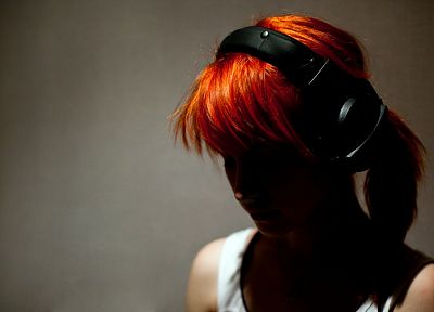Hayley Williams, Paramore, headphones, women, music, redheads, celebrity - related desktop wallpaper