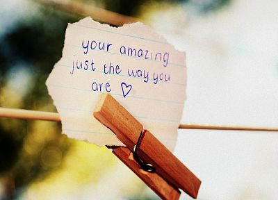 bad grammar, love note, clothespin - random desktop wallpaper