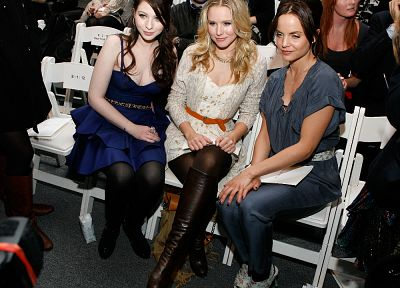 women, Kristen Bell, Michelle Trachtenberg, celebrity - related desktop wallpaper