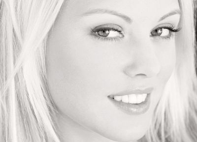 blondes, women, close-up, eyes, grayscale, Lindsay Marie, faces - related desktop wallpaper
