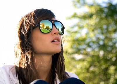 brunettes, women, outdoors, sunglasses, reflections - related desktop wallpaper