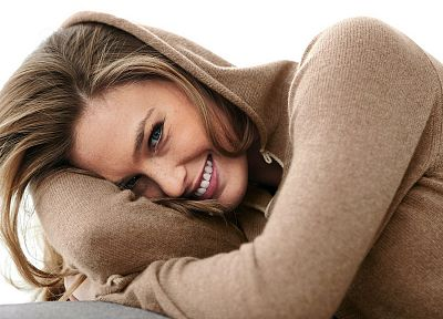 women, models, Bar Refaeli, smiling, hoodies - random desktop wallpaper