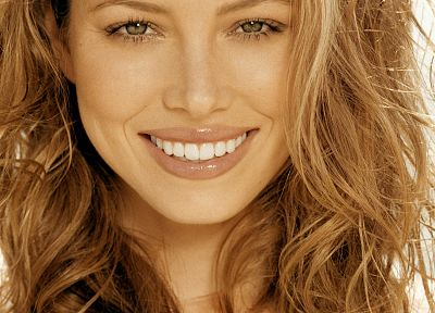 blondes, women, actress, Jessica Biel, smiling - desktop wallpaper