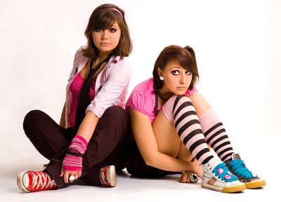 brunettes, women, tie, striped lingerie, sneakers, knees together, striped legwear - desktop wallpaper