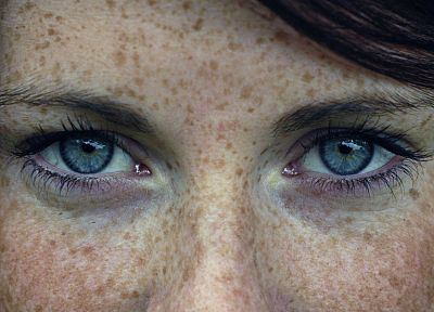 women, close-up, eyes, blue eyes, actress, celebrity, freckles - random desktop wallpaper