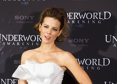 women, Kate Beckinsale, Underworld, Underworld Awakening - related desktop wallpaper