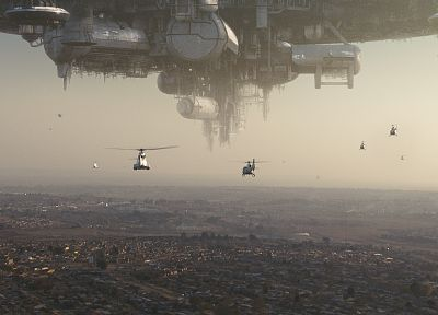 District 9 - random desktop wallpaper