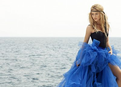 women, celebrity, Shakira, singers, sea - related desktop wallpaper