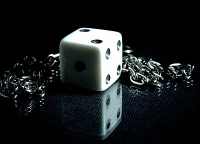 close-up, dice, cubes, macro, chains - related desktop wallpaper