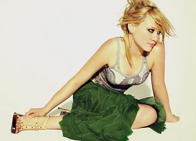 Hilary Duff - related desktop wallpaper