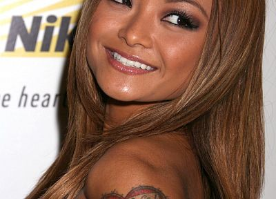 Tila Tequila - random desktop wallpaper