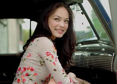 brunettes, women, Kristin Kreuk - random desktop wallpaper