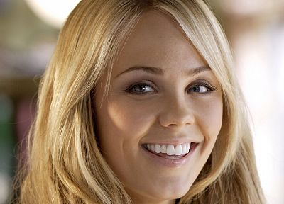 blondes, women, Laura Vandervoort - popular desktop wallpaper