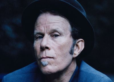 Tom Waits - random desktop wallpaper