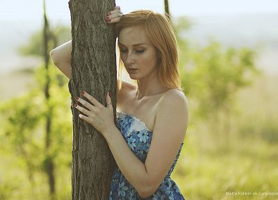 women, nature, eyes, Sun, trees, dress, redheads, grass, outdoors, freckles, faces, arms, AEON12, Nikita Kalinin, portraits - random desktop wallpaper
